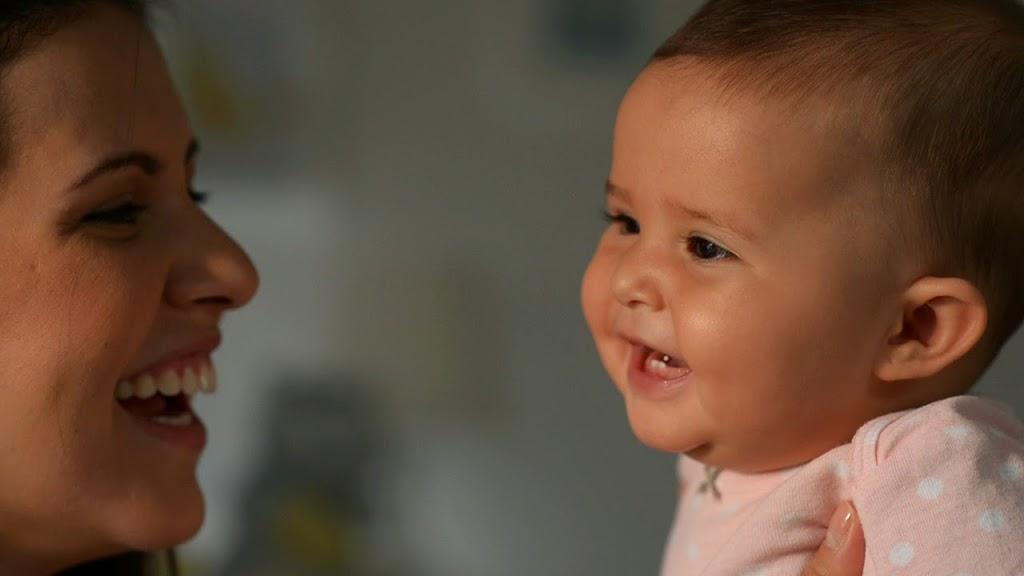 bebé de 2 a 4 meses