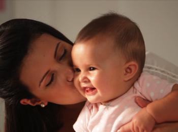 Actividades para desarrollar destrezas de tu bebé:  De 4 a 6 meses