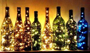 reciclar en navidad - botellas con luces navideñas