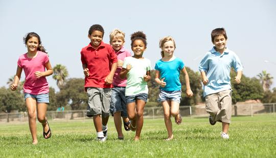 hacer actividad física fuera del colegio
