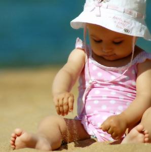 los usos alternativos de la leche materna para el bebé