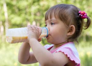hidratación - cuidando a nuestros bebés en el sol
