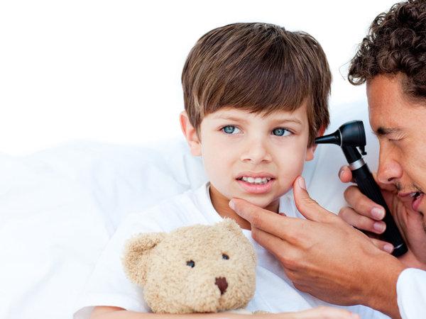 cómo saber si tu hijo no escucha bien